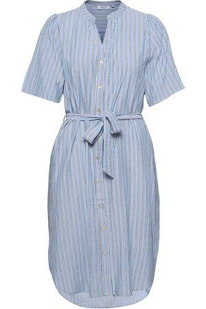 Moss Copenhagen Dame Hverdagskjoler - Makita Beach Shirt Dress Aop Knelang Kjole