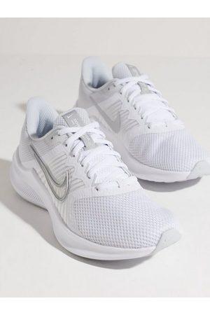 Nike Dame Treningssko - Wmns Downshifter 11 Silver/White