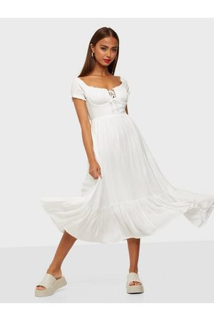 Kiss The Sky Dame Maxikjoler - Floral Maxi Dress White