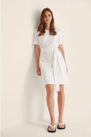 NA-KD Dame Hverdagskjoler - T-Skjortekjole Med Beltedetaljer