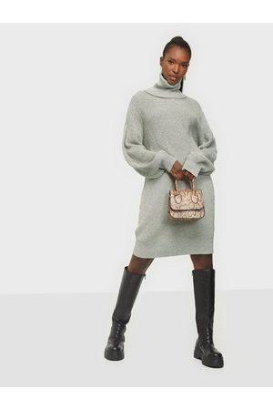 Noisy May Nmsiesta L/S Roll Neck Knit Dress B Oatmeal