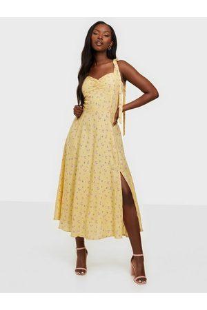 Bardot Dame Midikjoler - Midi Bow Tie Dress