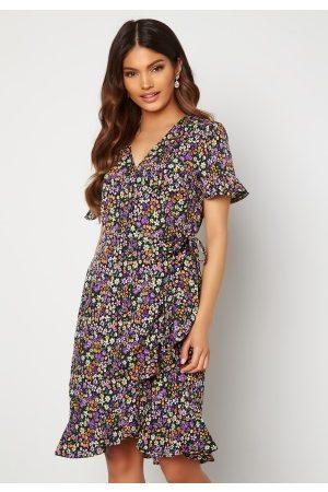 ONLY Dame Mønstrede kjoler - Olivia S/S Wrap Dress Black / Shore Flower 34