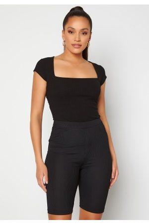 BUBBLEROOM Dame Kortermede - Squareneck T-shirt Black XL