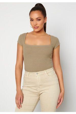 BUBBLEROOM Dame Kortermede - Squareneck T-shirt Brown XS