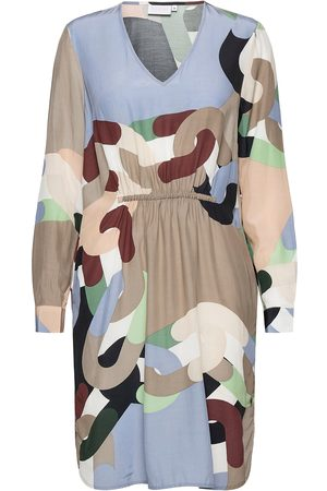 Coster Copenhagen Dress In Chain Print With Elastic A Knelang Kjole Multi/mønstret