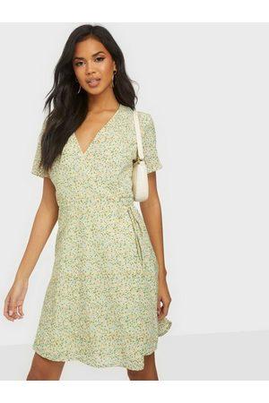 Moss Copenhagen Evette Wrap Dress AOP
