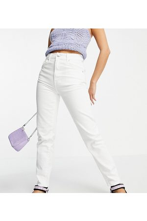 Stradivarius Petite slim mom jean with stretch in white