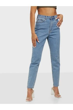 Missguided Dame Straight - Highwaisted Stretch Straight Leg Jeans