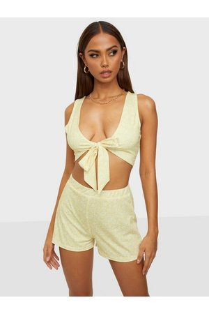 NLY Tie Front Set