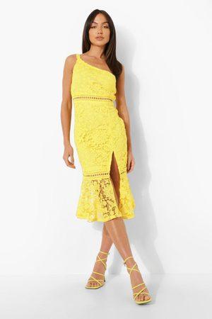 Boohoo Dame Bodycon kjoler - Lace One Shoulder Frill Hem Midi Dress