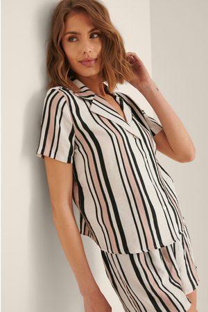 Trendyol Dame Pyjamaser - Stripete Pyjamassett