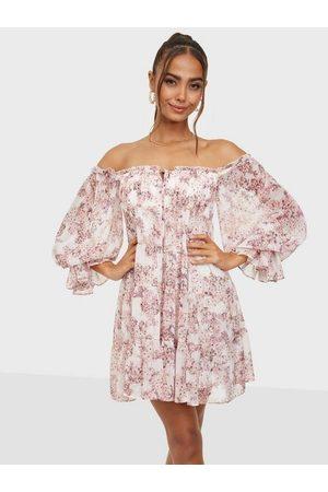 Forever New Dame Festkjoler - Off Shoulder Tiered Mini Dress