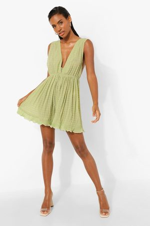 Boohoo Dame Playsuits - Plunge Pleated Mesh Playsuit