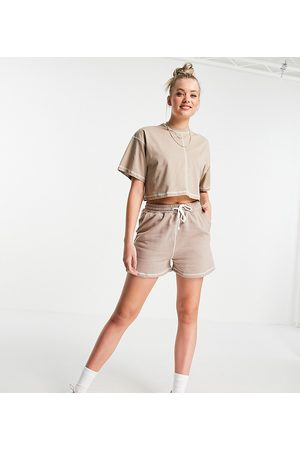 Missguided Co-ord runner short with contrast stitch in brown