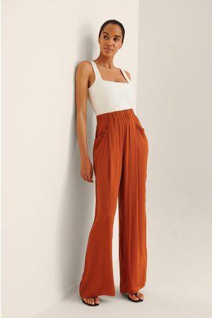 NA-KD Trend Dame Bukser - Bukse Med Detaljert Blomstrete Lomme