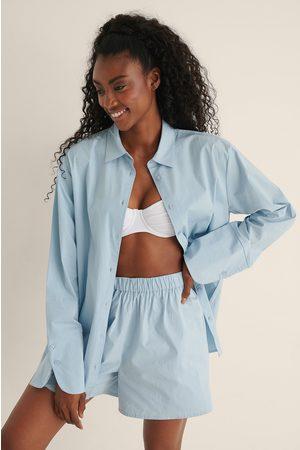 Mimi A.R x NA-KD Oversized Bomullsskjorte