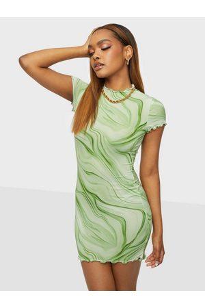 NLY Dame Festkjoler - Mini Print Dress