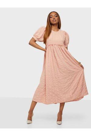 Pieces Pclima Ss Midi Dress D2D Misty Rose