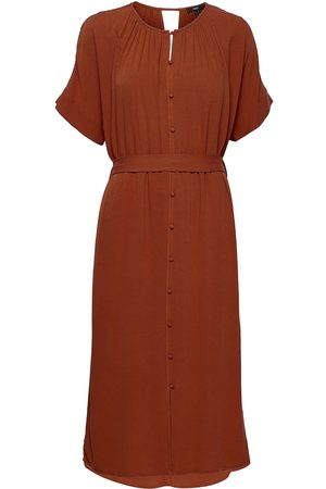 Esprit Dresses Light Woven Knelang Kjole