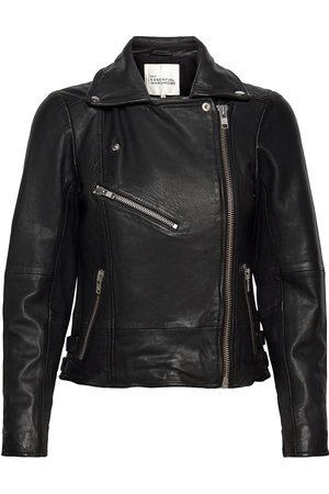 My Essential Wardrobe 02 The Leather Jacket Skinnjakke Skinnjakke