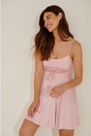 NA-KD Dame Korte kjoler - Minikjole Med Knyttedetalj