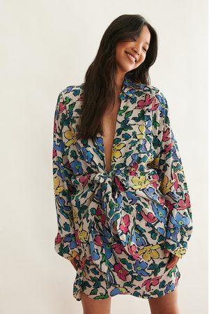 NA-KD Trend Dame Bluser - Skjorte Med Knytting Foran