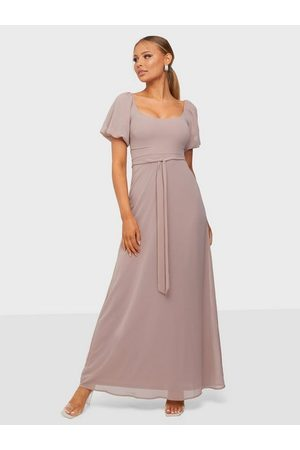 NLY Dame Festkjoler - Cute Puff Sleeve Gown