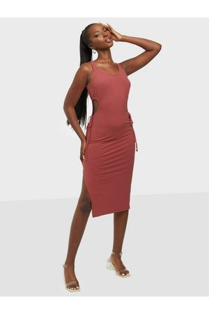 NLY Trend Dame Festkjoler - Double Cut Out Rib Dress