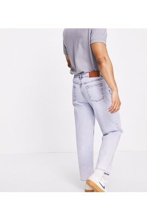 Reclaimed Vintage Inspired the 94' classic jean in light blue responsible bleach wash