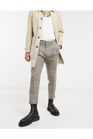 ASOS Tapered cropped smart trousers in check with double pleat-Neutral