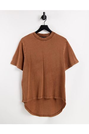 ASOS Oversized t-shirt with dipped hem in washed brown