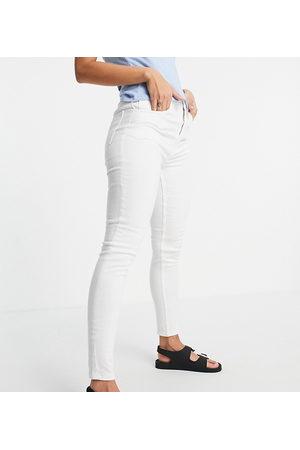 Reclaimed Inspired the 90' skinny jean in optic white