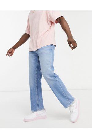 Bershka 90's fit jeans in light blue