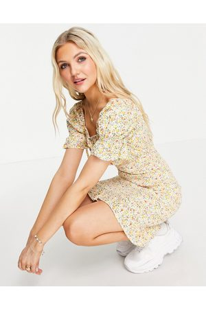 Influence Shirred bodycon mini dress in ditsy floral print-Multi