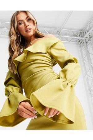 ASOS Dame Hverdagskjoler - Triple sleeve fallen shoulder mini skater dress in chartreuse-Yellow