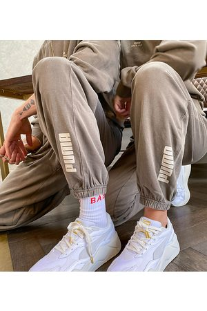 PUMA Herre Chinos - Oversized joggers in washed brown - exclusive to ASOS