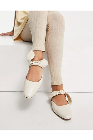 ASRA Felicity flat mules with bow in milk leather-White