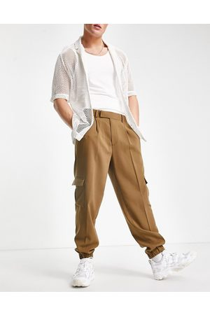 ASOS Oversized tapered cargo smart trousers in tan crepe-Green