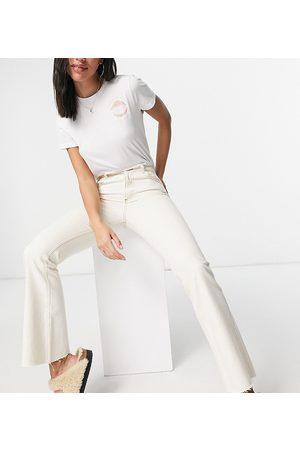 Reclaimed Inspired the 99 classic flare jean in ecru-White