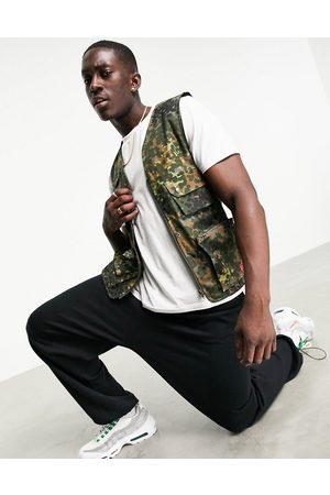 Cat Footwear Caterpillar workwear camo print utility vest in green
