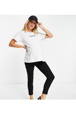 ASOS Dame Kortermede - ASOS DESIGN Maternity t-shirt with embroidered slogan in white