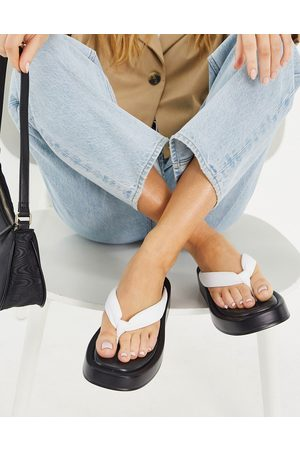Kaltur Leather flatform flip flop sandals in white