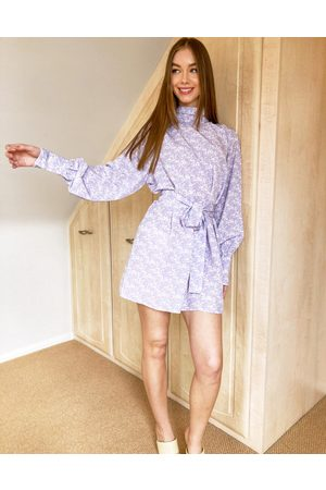 Pretty Lavish Leah tie waist high neck satin shift mini dress in lilac abstract print-Purple