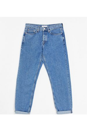 Topman Big relaxed jeans in mid wash-Blue