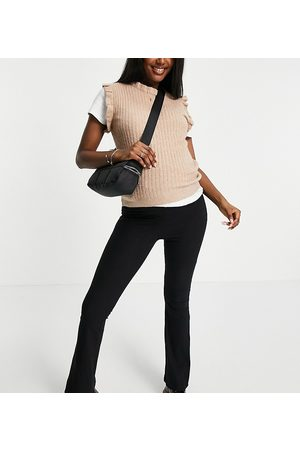 Pieces Maternity Exclusive knitted vest in camel-Neutral