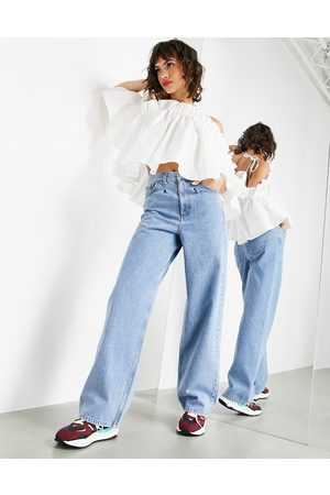 ASOS Wide leg jean with pleat detail in light wash-Blue