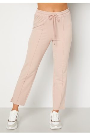 BUBBLEROOM Dame Chinos - Kehlani soft suit trousers Light nougat XS