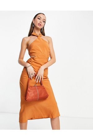 ASOS Dame Midikjoler - Textured halter midi dress with ruched back strap detail in rust-Brown