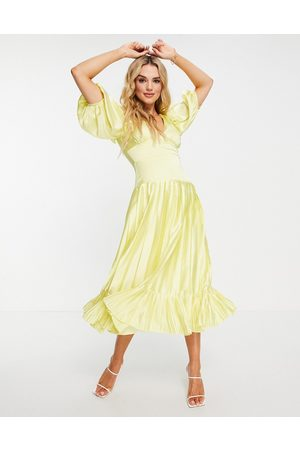 ASOS Dame Midikjoler - Satin plunge neck pleated midi tea dress in yellow